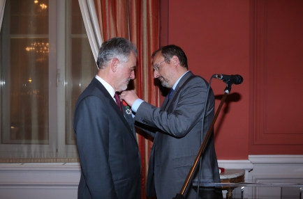 The French Republic has named Loukas Tsoukalis Chevalier dans l'Ordre national de la Légion d'honneur for his contribution to the reflection on the future of the Union and his exceptional engagement in European integration. </a></a>